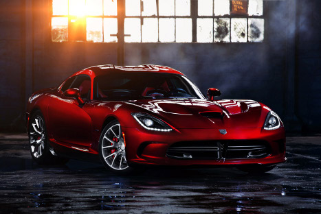 2013-Dodge-SRT-Viper-Front-View-Image