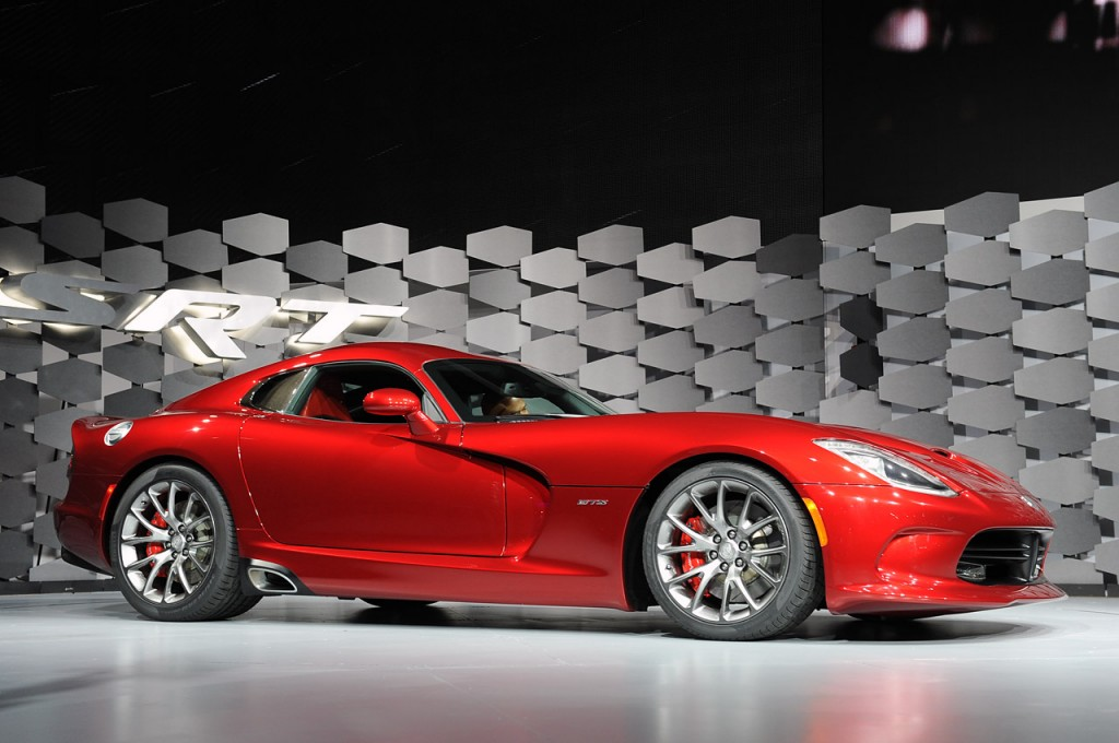 Dodge Viper 2013 Side View Image