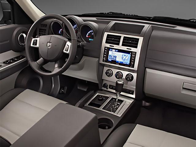 Photo of Dodge Nitro Interior