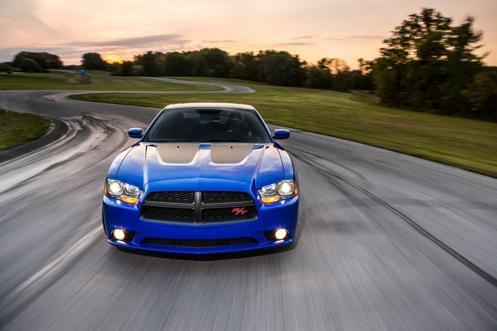 2013-Dodge-Charger-Photo-1024x682