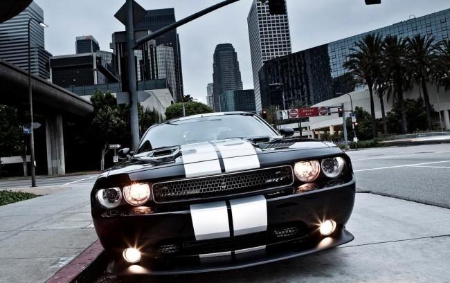 Dodge-Chrysler-Photo