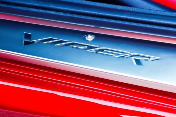 Dodge-Viper-ACR-Photo
